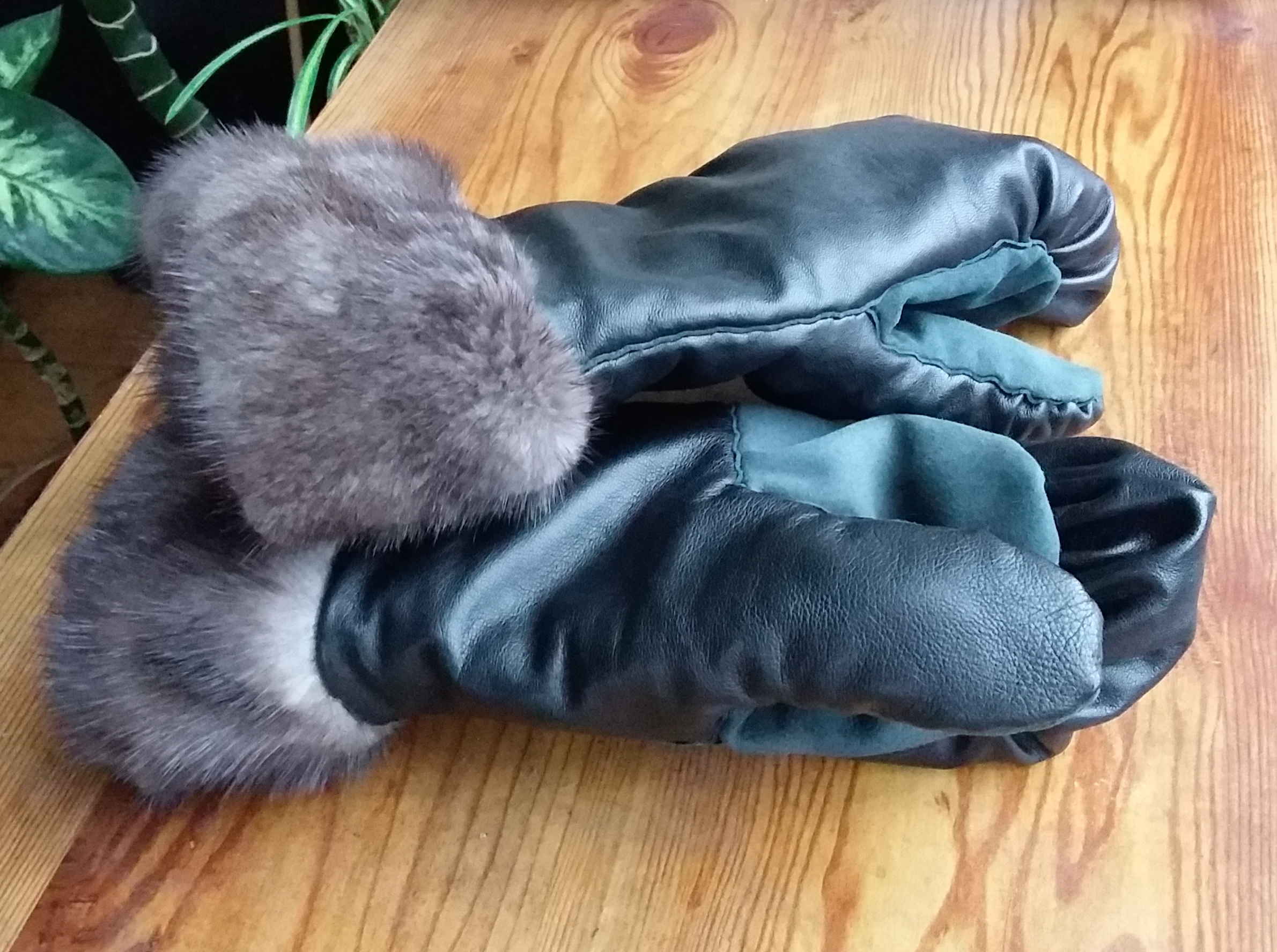 Picture of Inuit Style Mittens