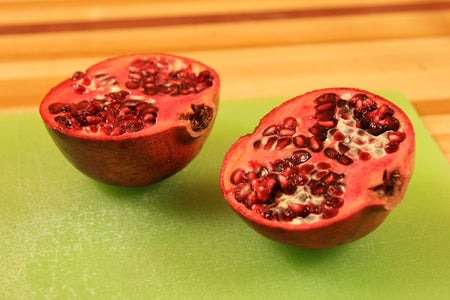 Deseed Pomegranates in Seconds