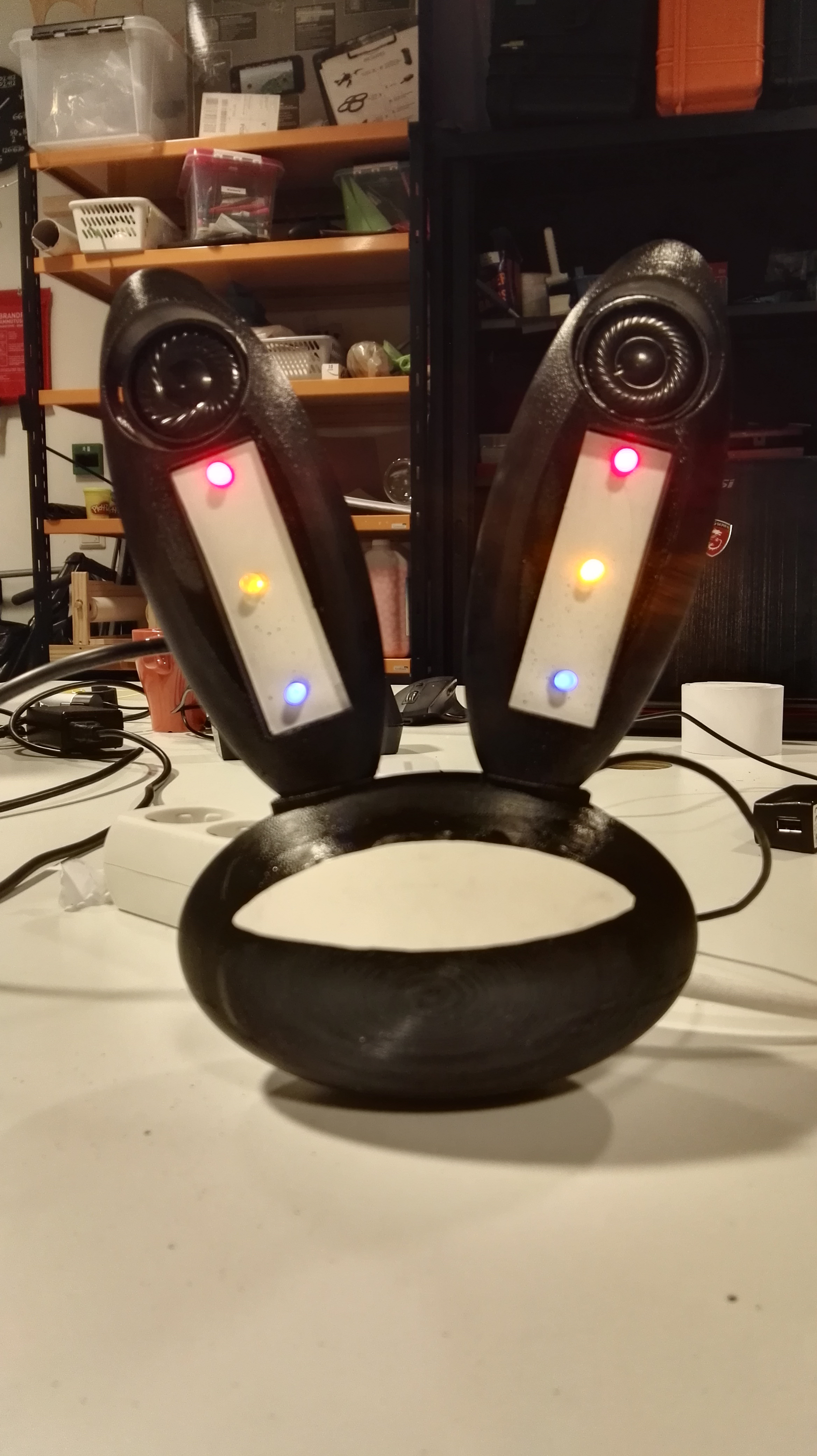 Picture of 3D Printed Pogo-inspiried Bluetooth Stereo With (questionable) Pulsing LED