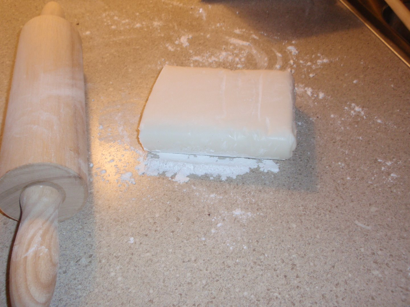 Picture of Next the Fondant.... Ugh!