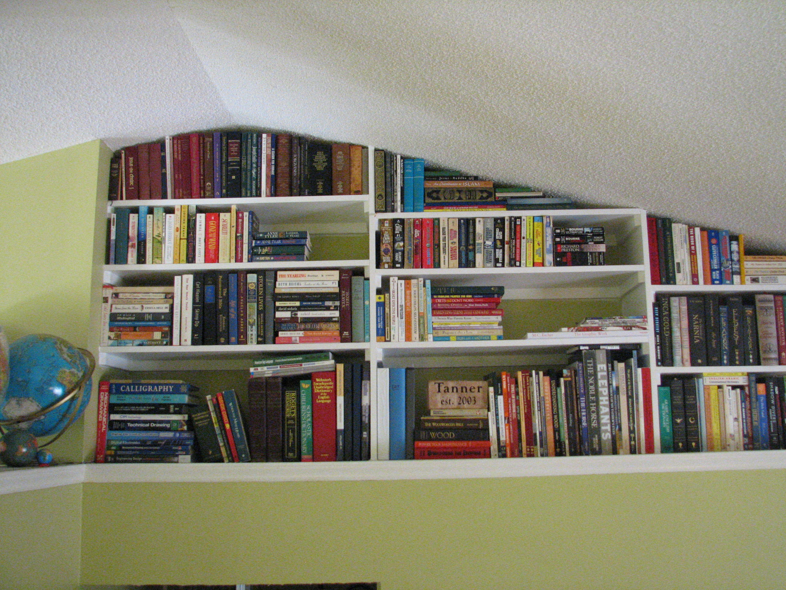 Picture of Built in Bookshelves