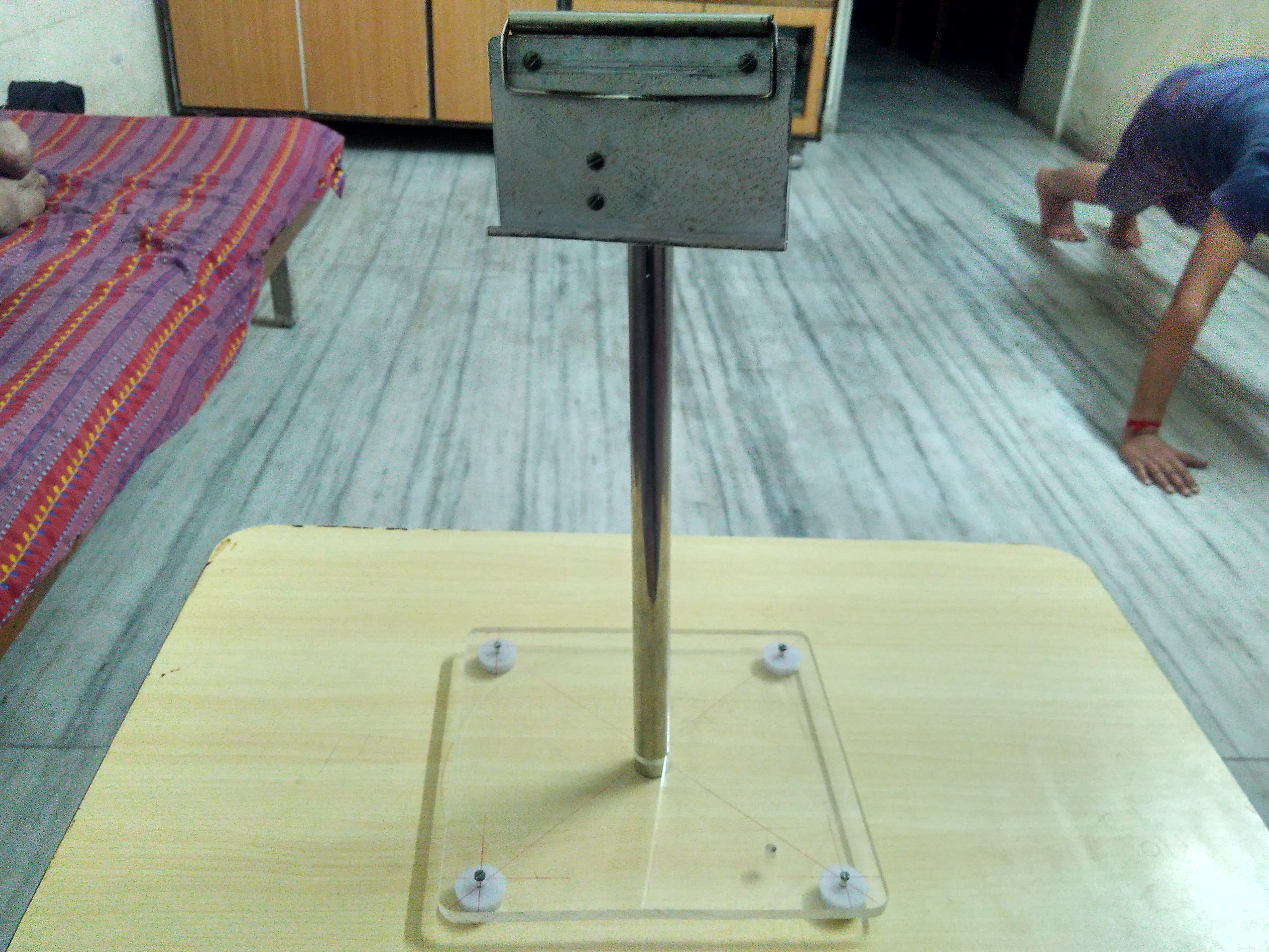 Picture of How to Make a DIY Tripod Using Waste Materials?