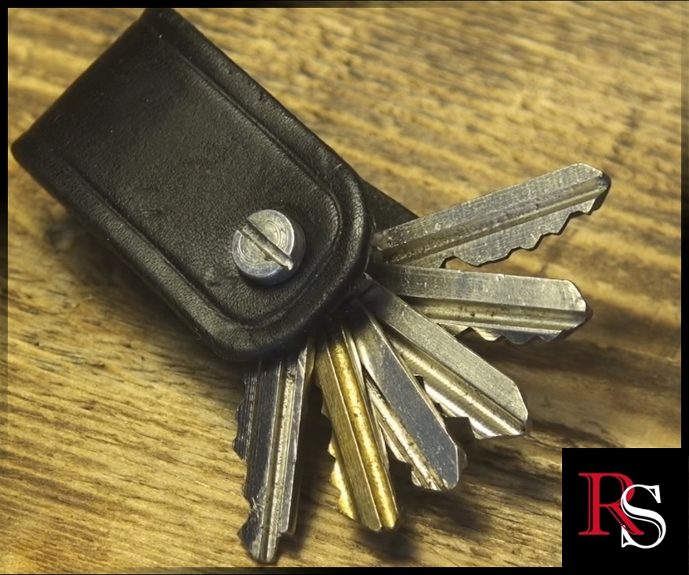 Picture of Leather Key Holder - Introducing the Redsmith