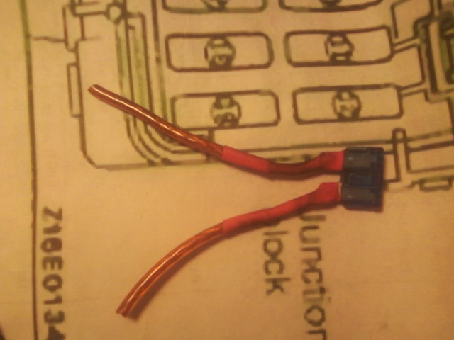Picture of Simple In-line Fuse for Your Car... or Any 12 Volt System.