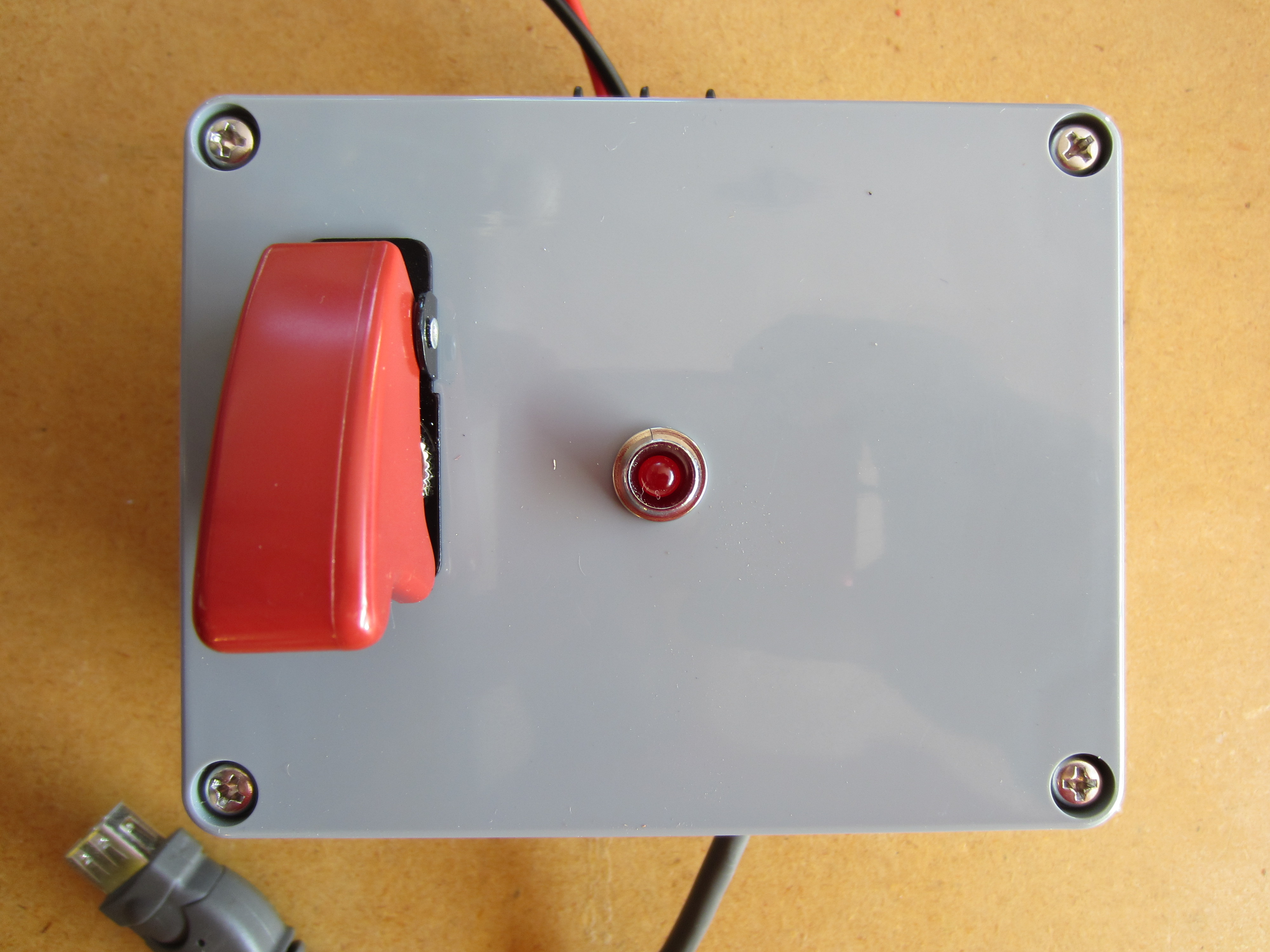 Picture of Solar Powered USB Power Supply and Charger