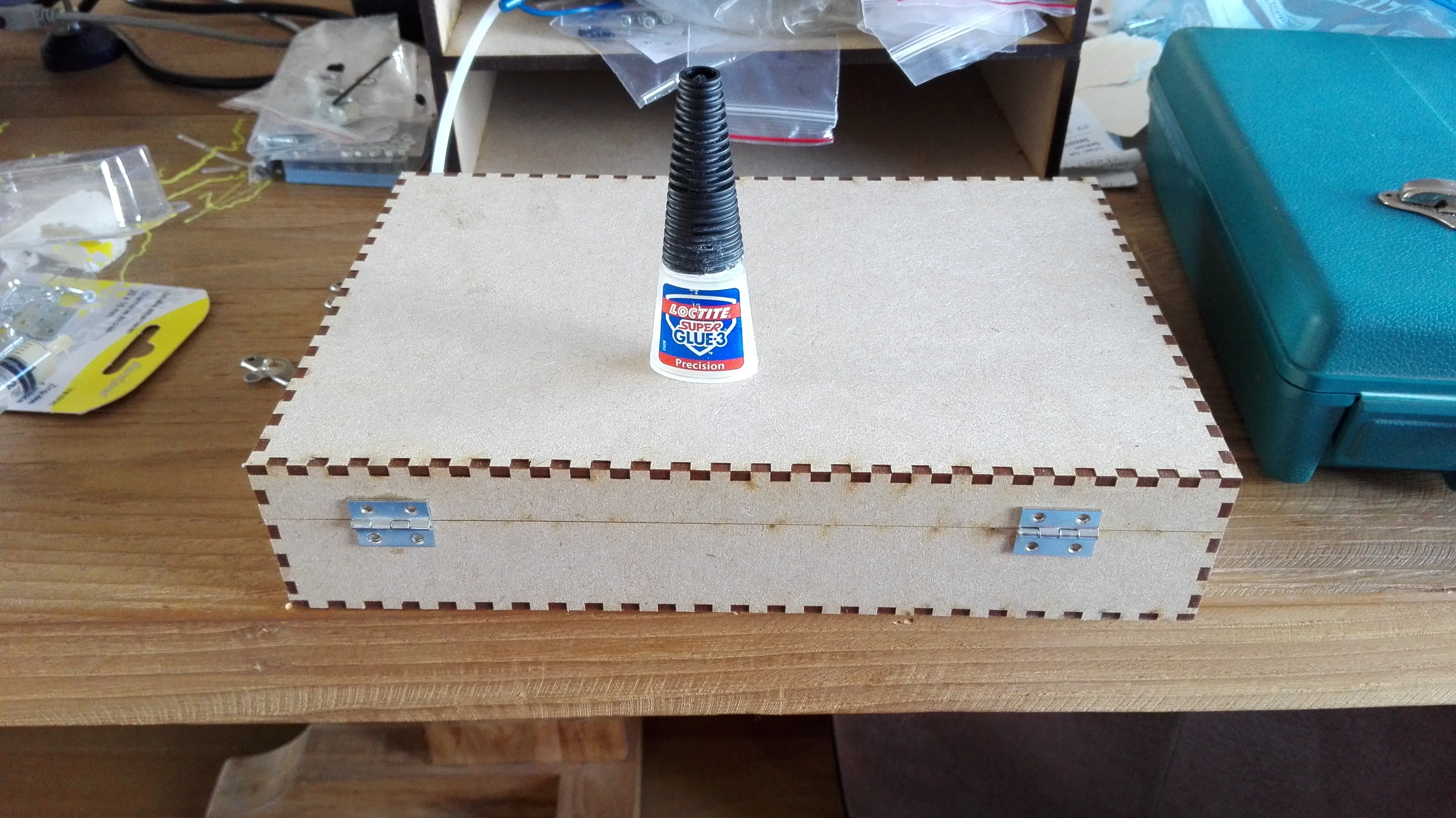 Picture of Adding the Hinges to the Lid and Box