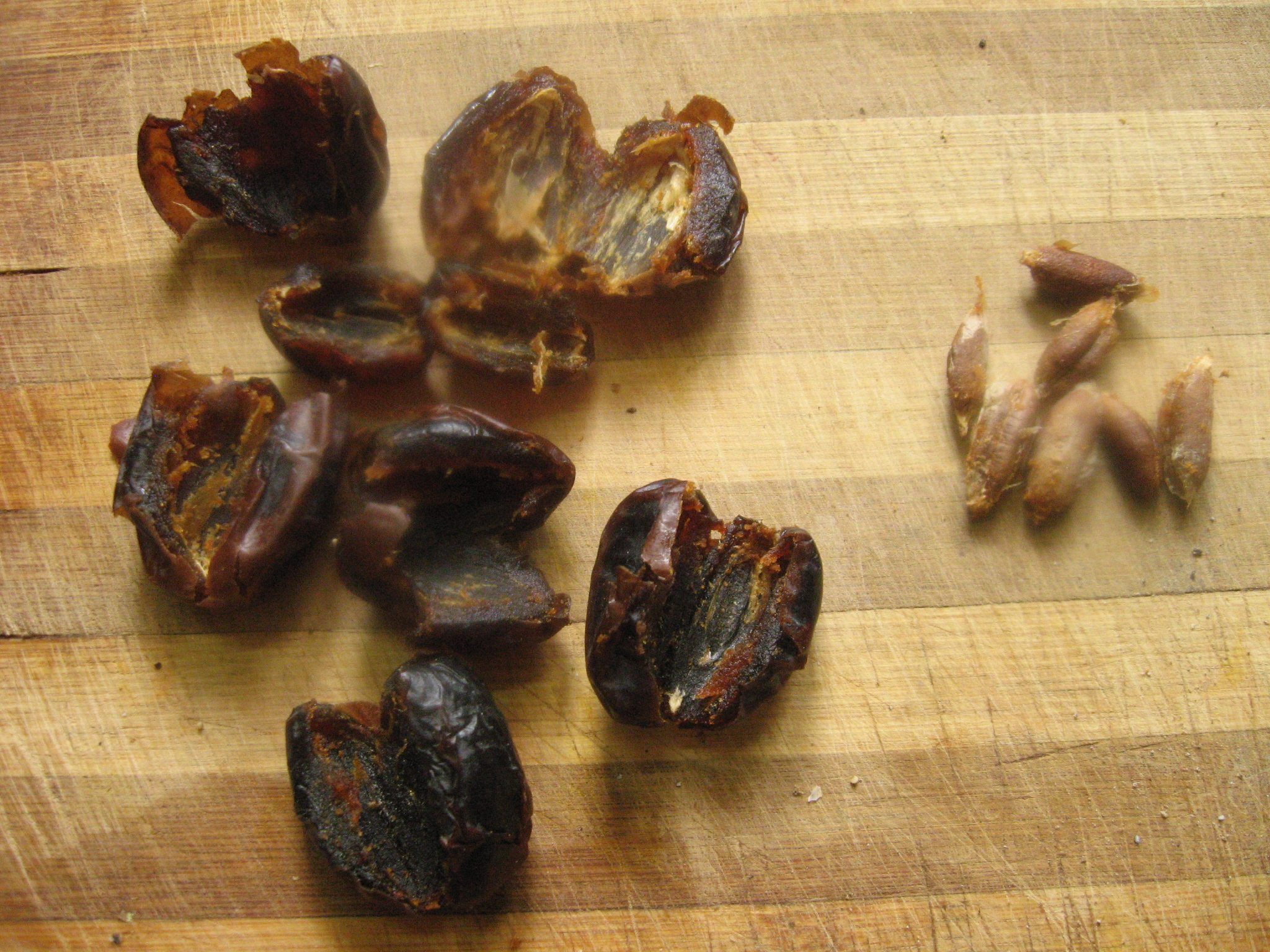 Picture of Chop Date Fruits
