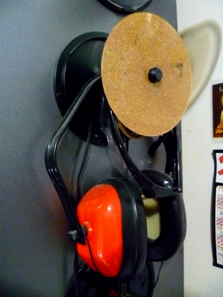 Picture of CD Spool As Side-of-bookshelf Storage!