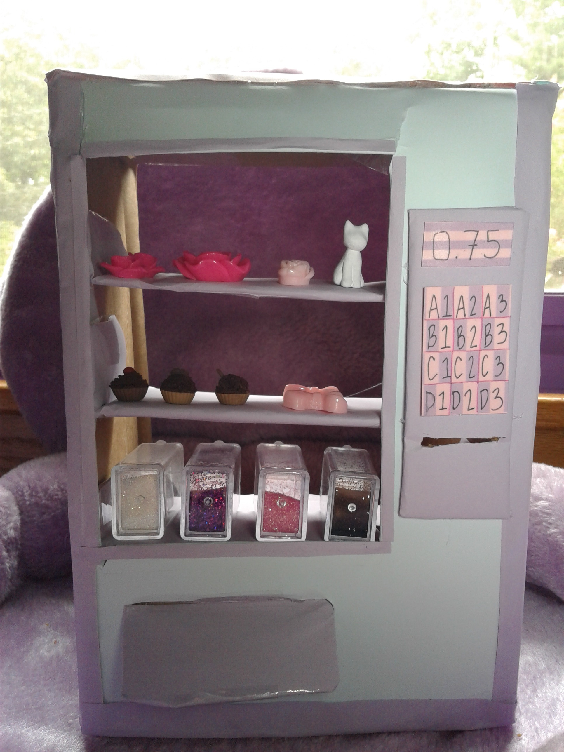 Picture of DIY Cardboard Vending Machine Coin Bank