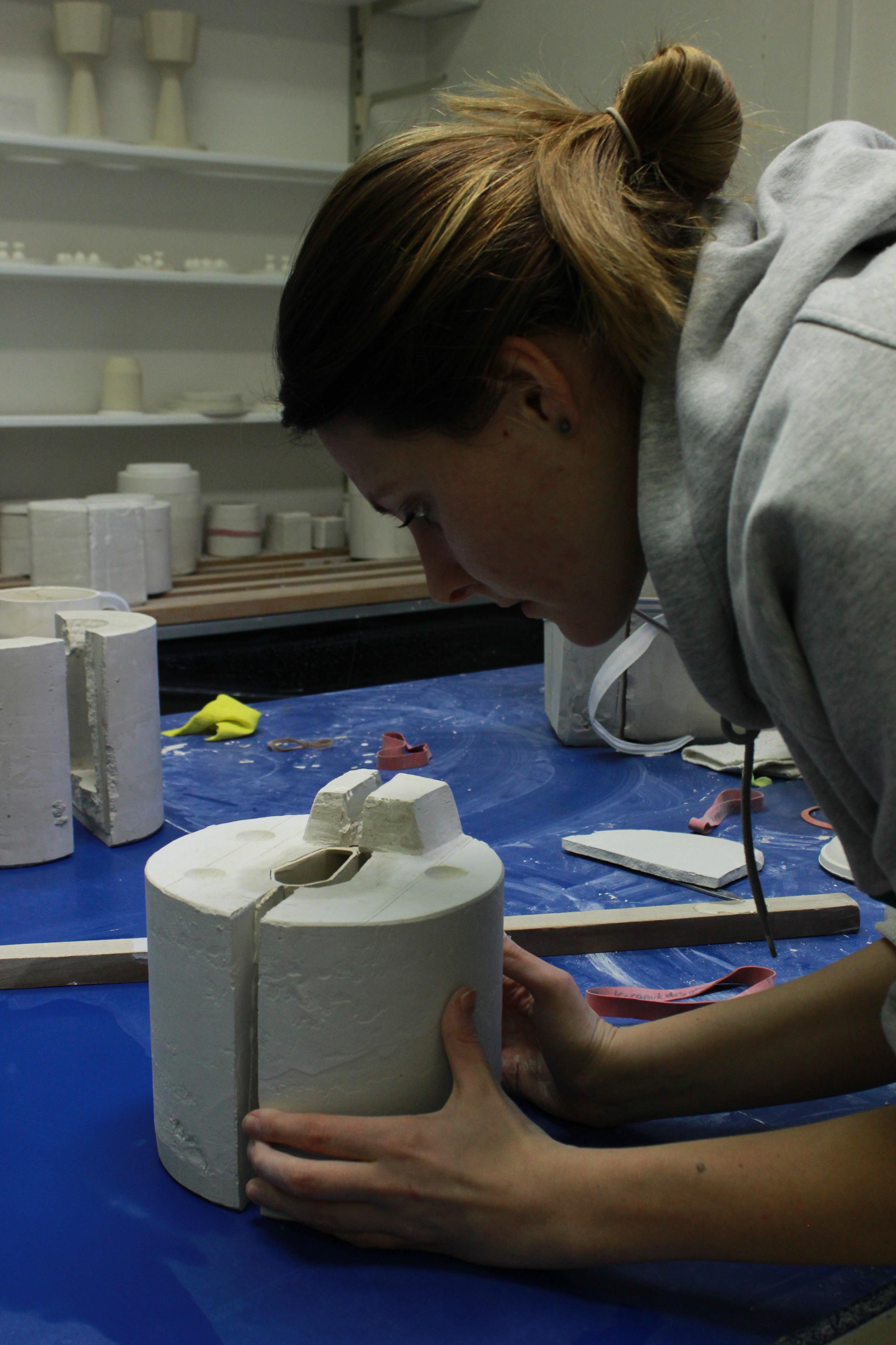 Picture of Plaster Mold & Porcelain Casting