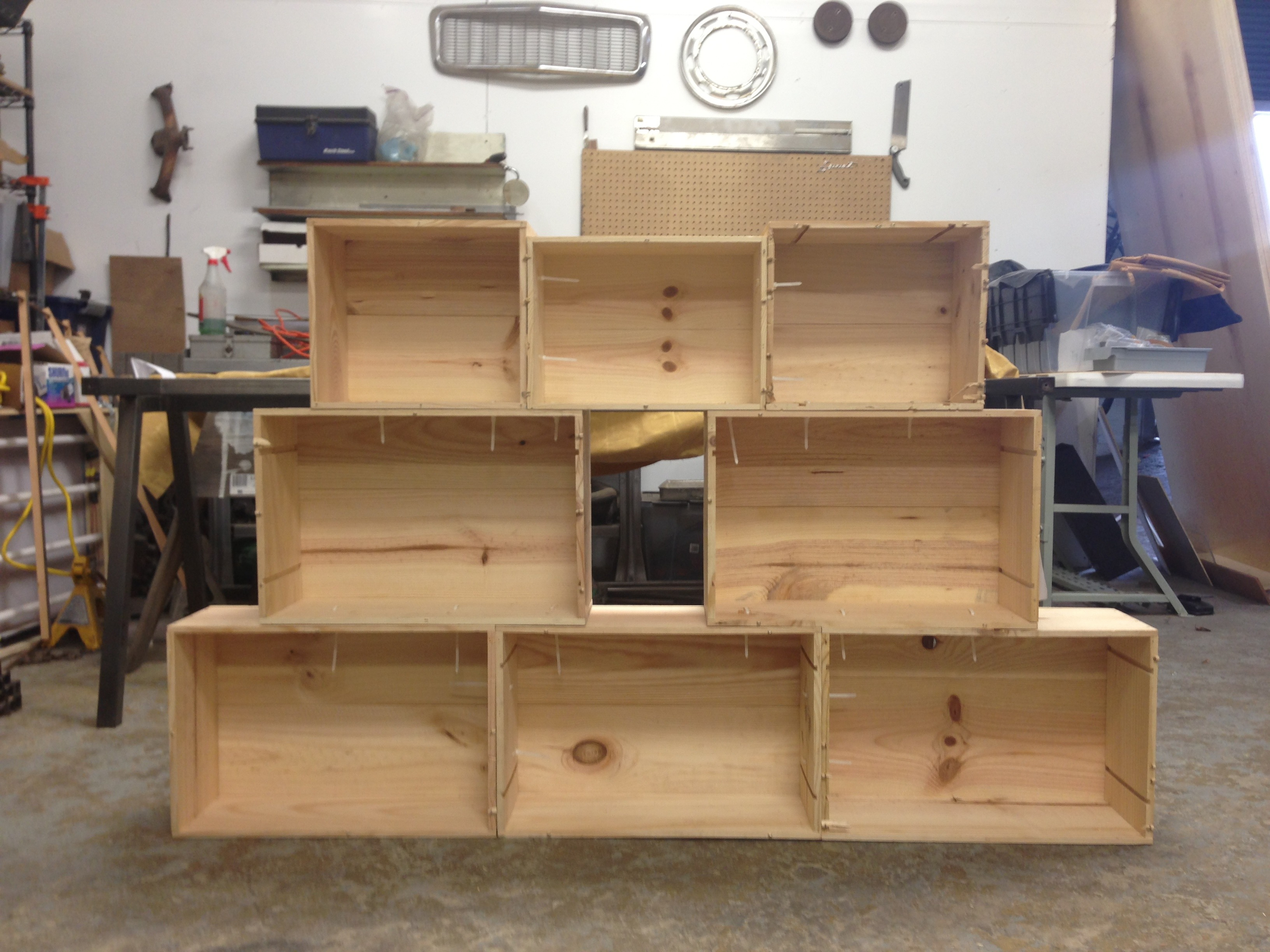 Easy Shelves From Old Wooden Crates 4 Steps