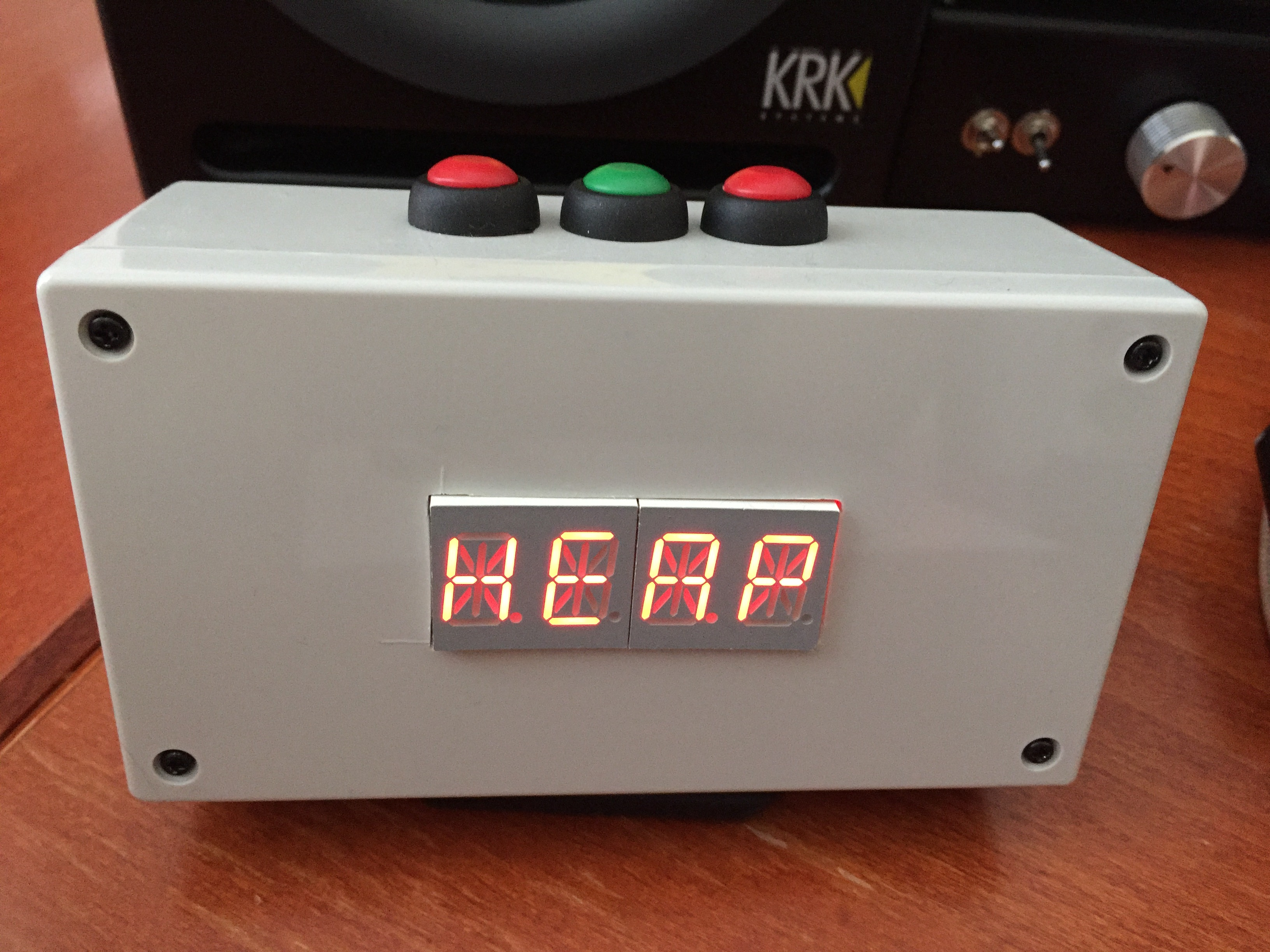 Picture of Four Letter Word Clock With Akafugu Word Generator and Inspirational Phrases