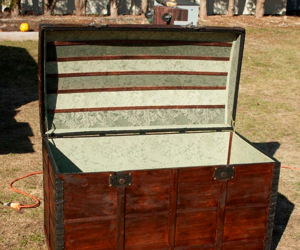 1800's Trunk