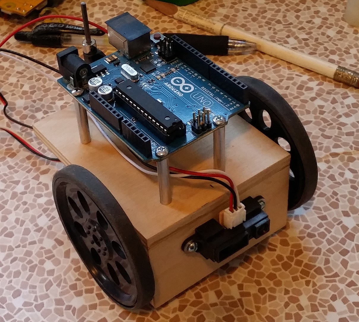 Picture of Attach Arduino UNO & Wheels