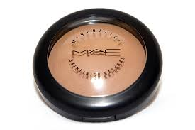 Picture of Applying the Bronzer
