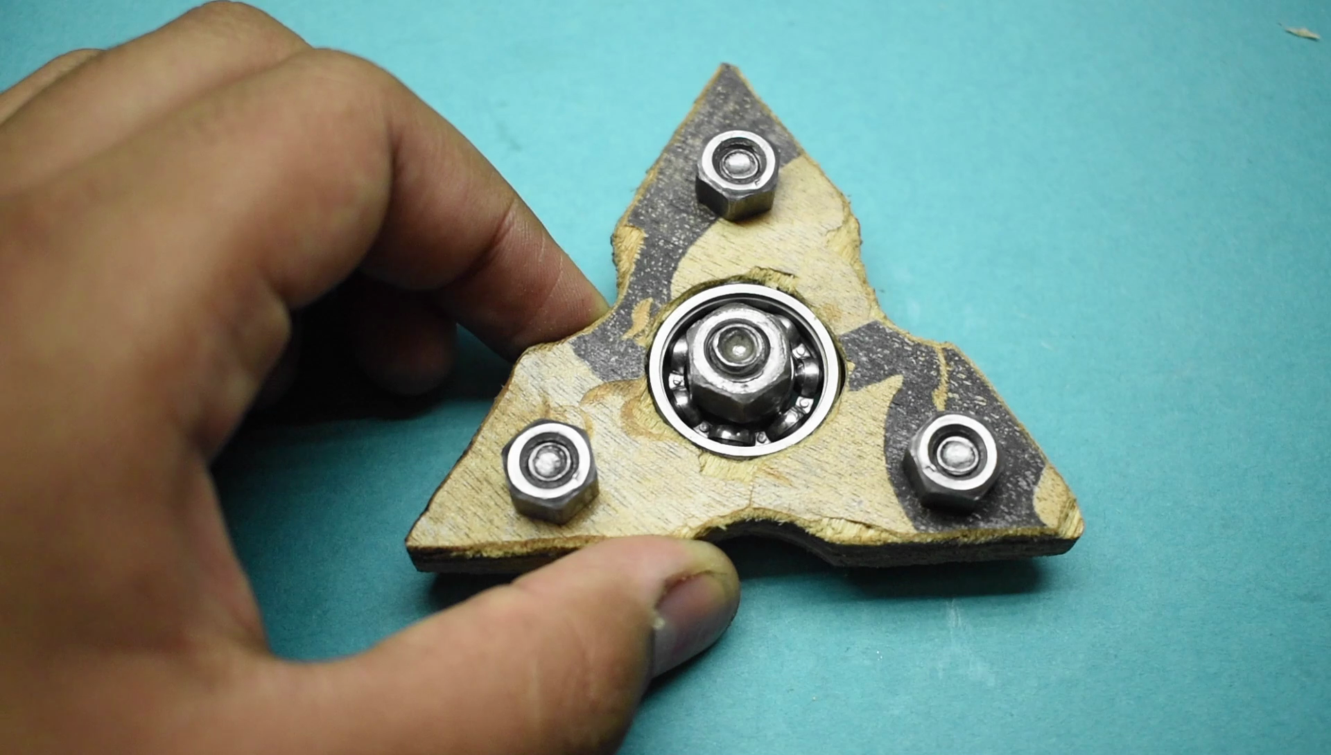 Picture of Attaching the Ball Bearing and Nuts