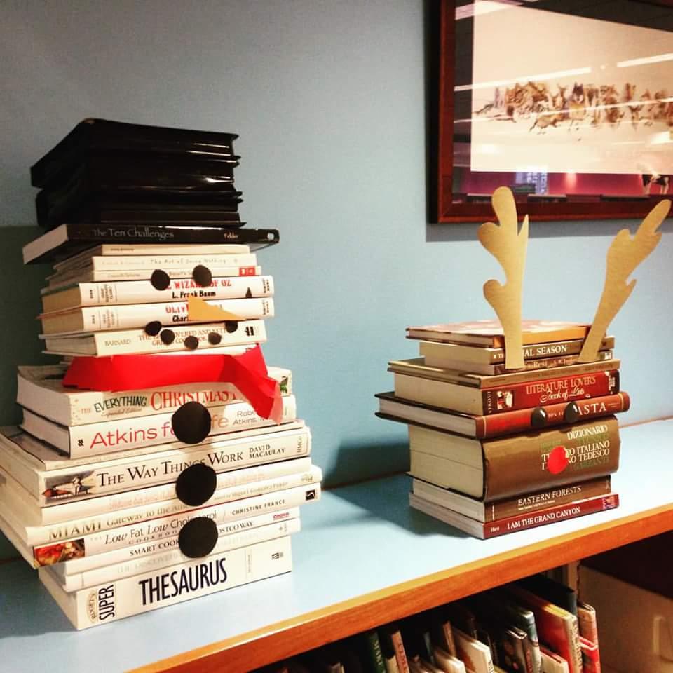 Picture of Snowman Book Sculpture