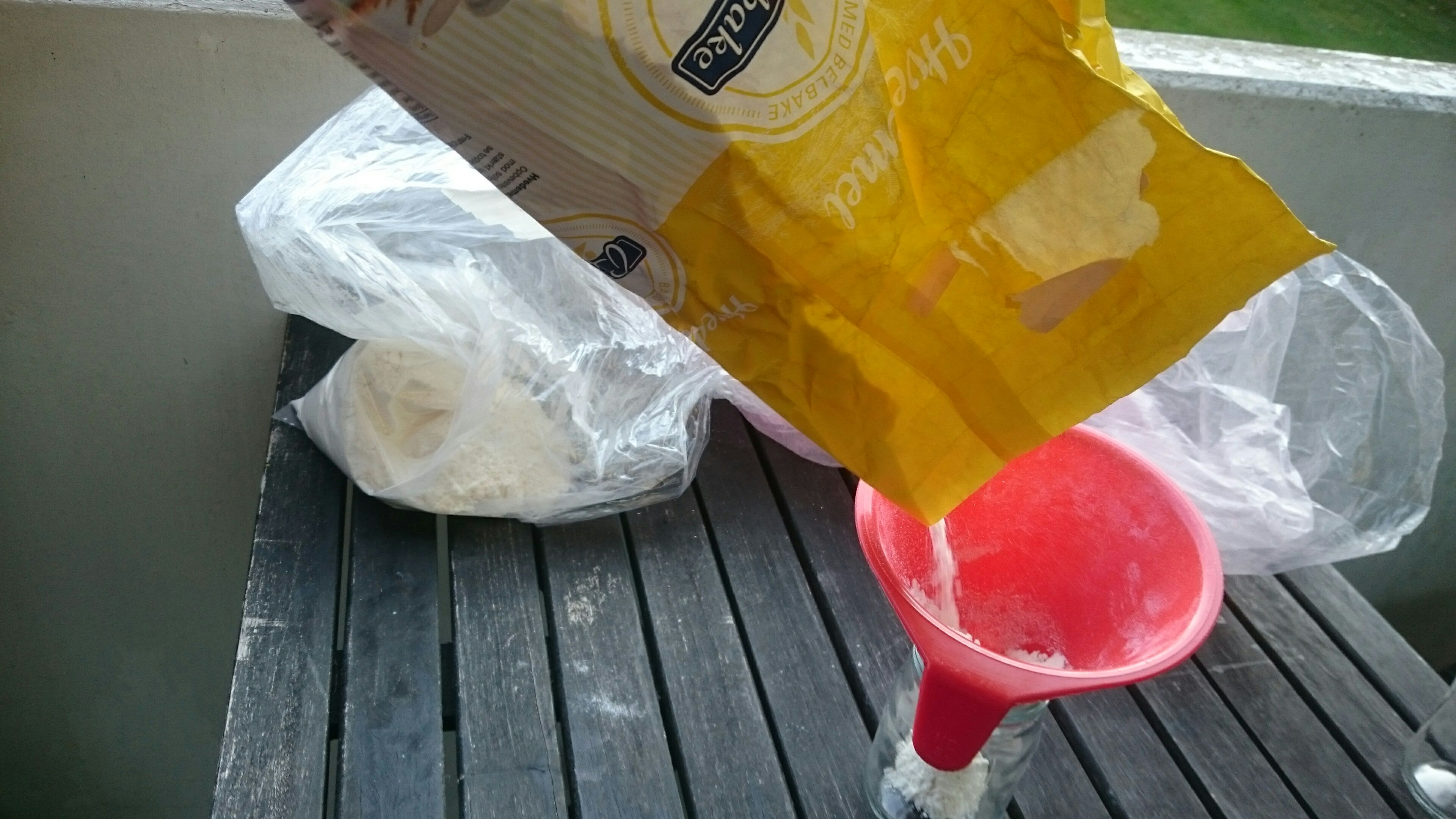 Picture of Mix Flour and Chalk