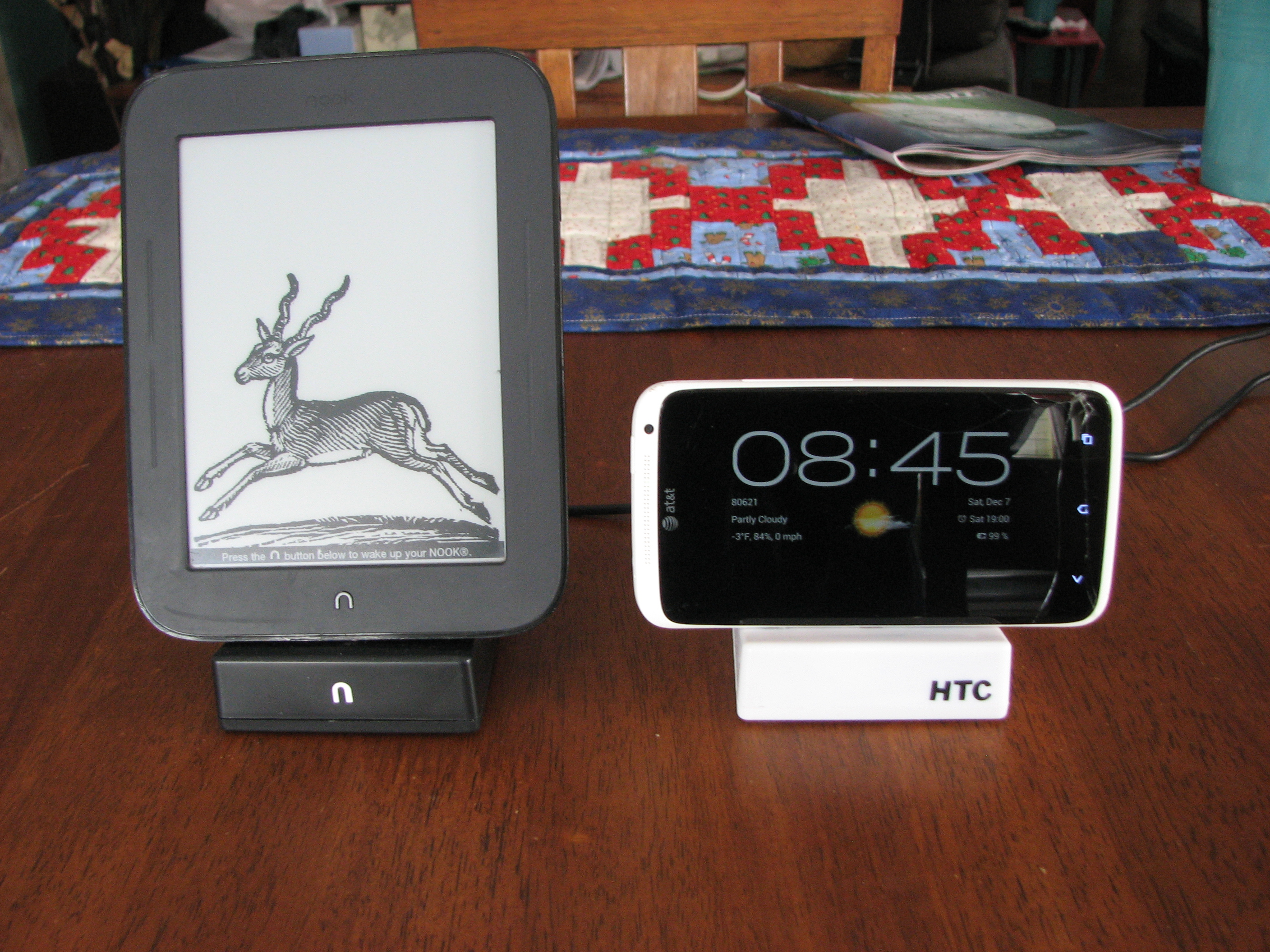 Picture of The Cheapest Charge & Sync Dock for Android Devices. (US$1)
