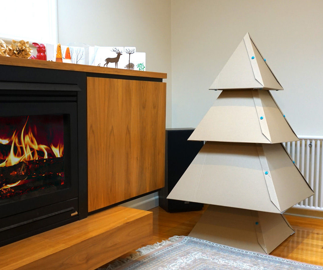 diy christmas fireplace youtube cardboard christmas fireplace
