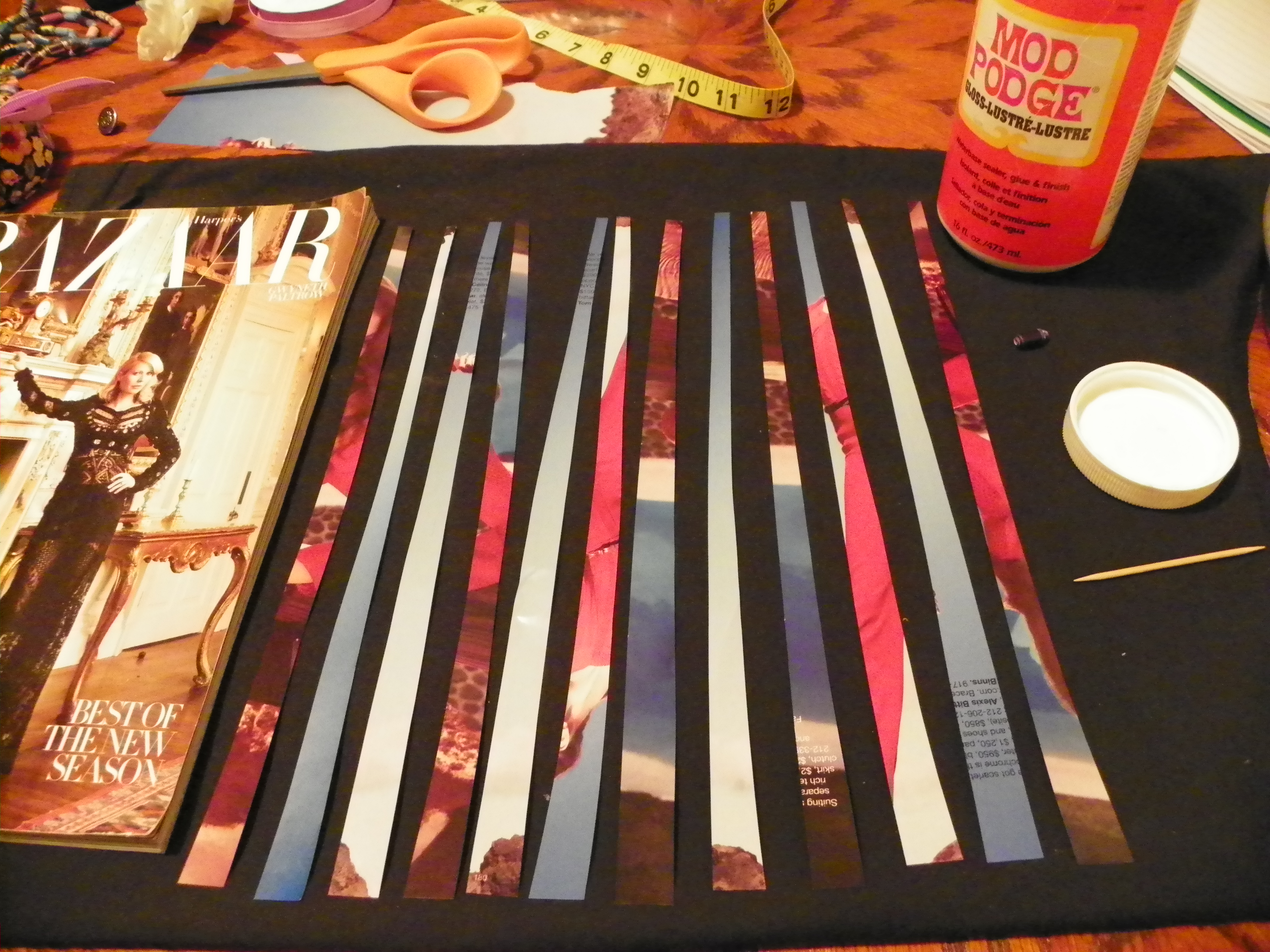 Picture of Making a Paper Bead Necklace