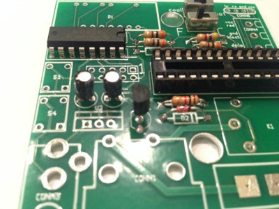 Place and Solder 2N3904 Transistor. (Q1)