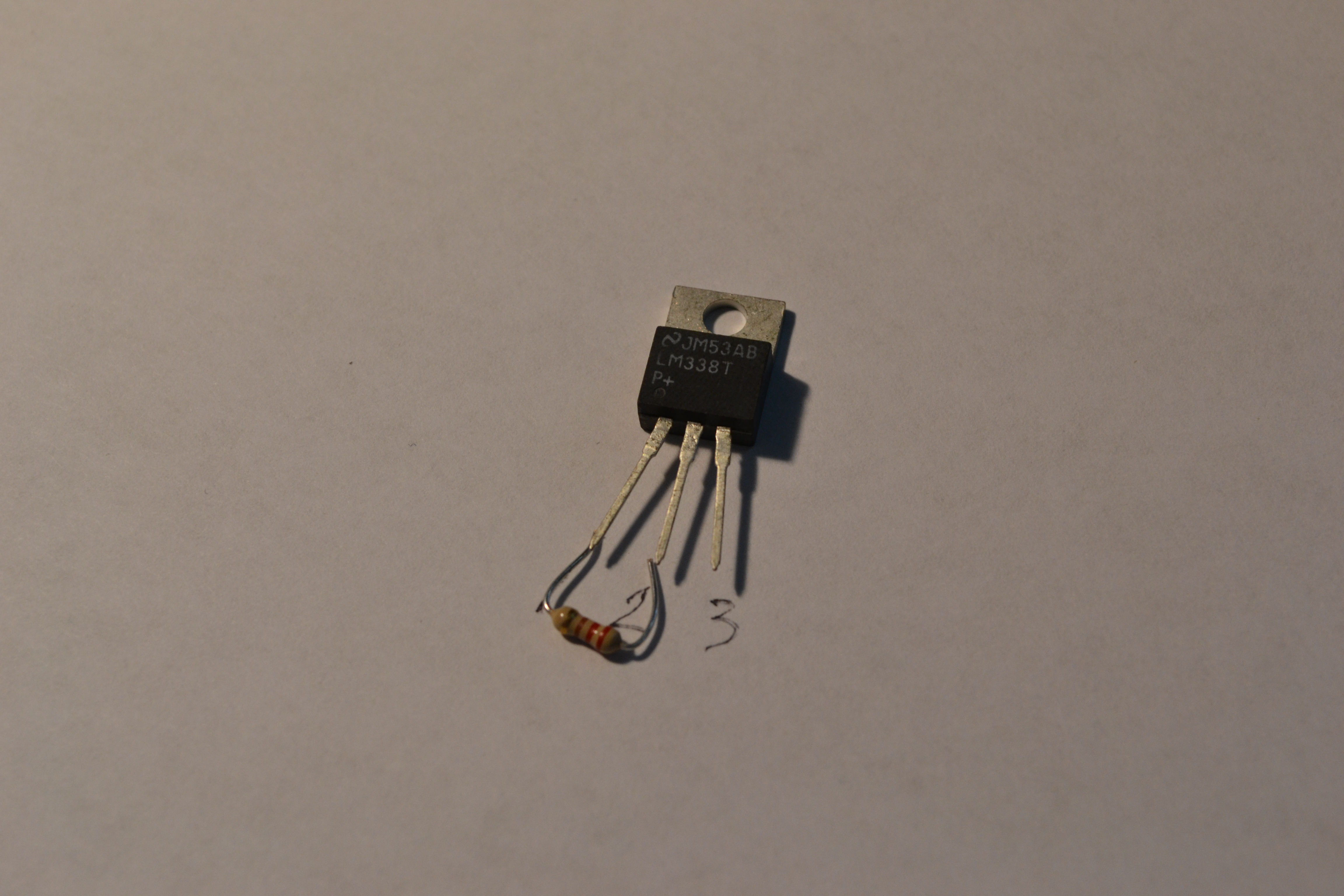 Picture of 220-240 Ohm Resistor