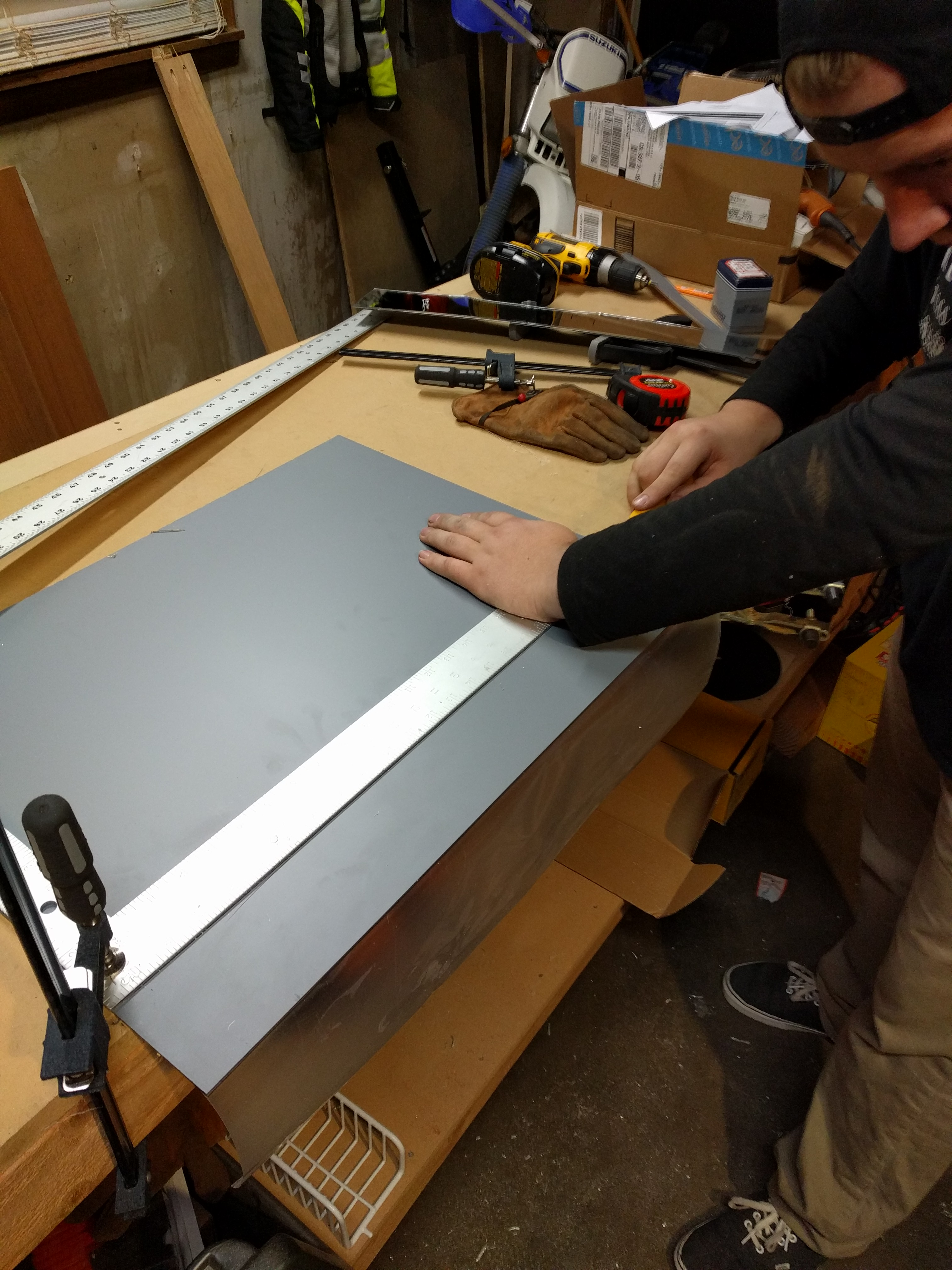 Picture of Scoring Acrylic Mirrors