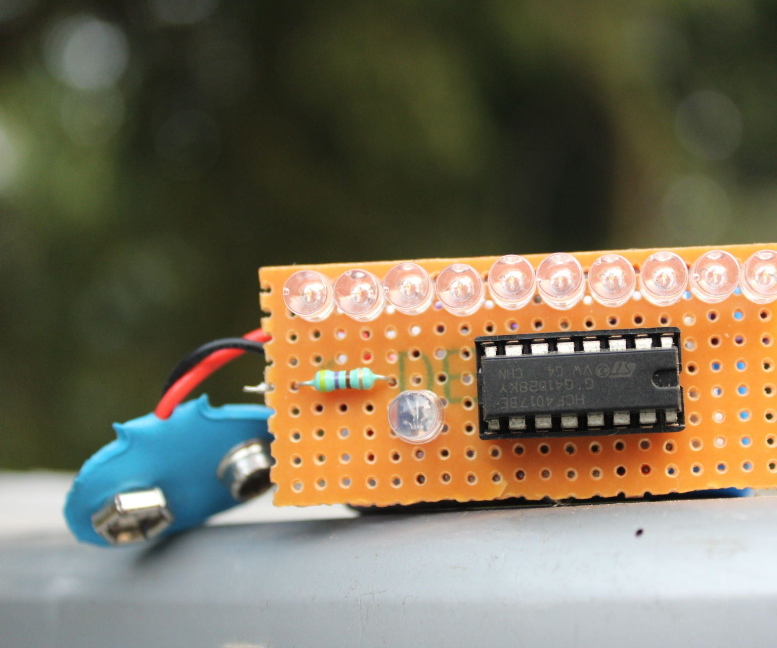 How To Make Led Chaser Without Ic 555 5 Steps Projectsonelectricalengineering Quiz Project Using