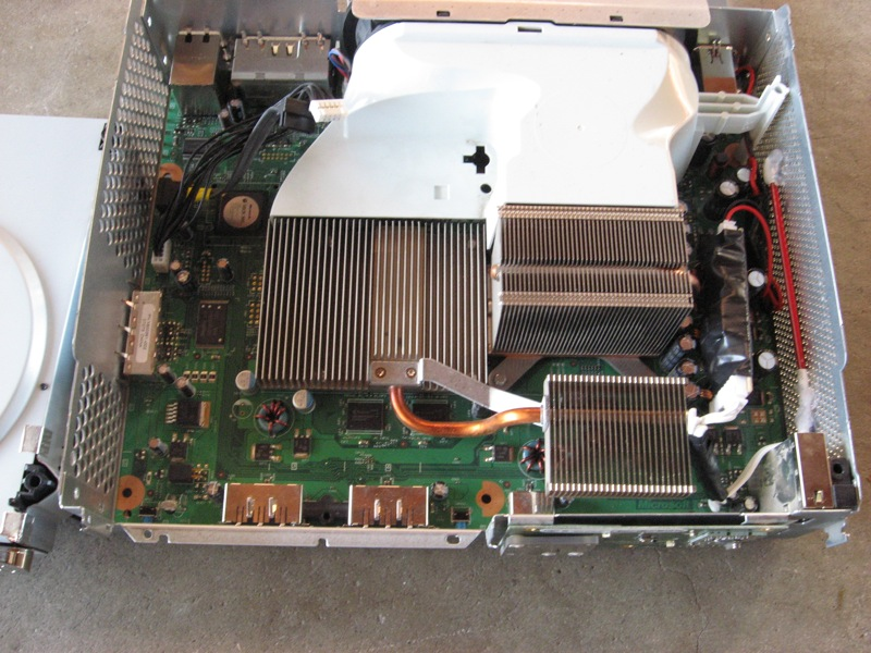 Picture of How to Disassemble a Xbox 360