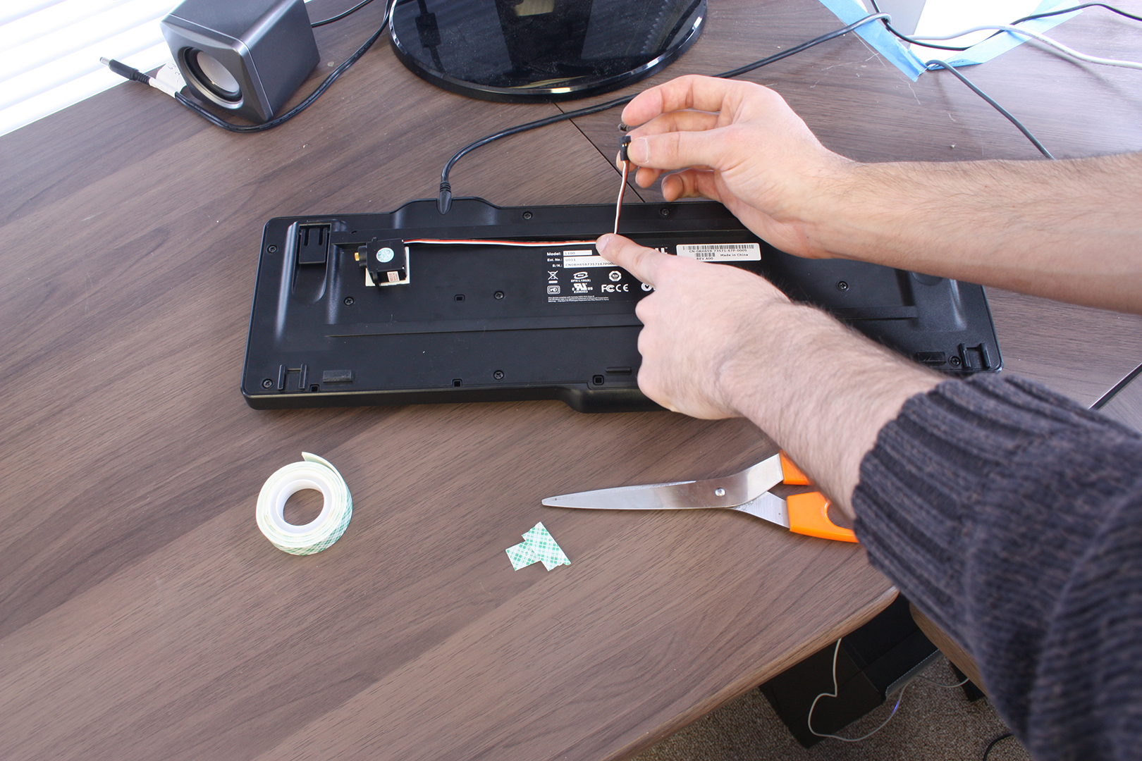 Picture of Install the Servos on the Keyboard