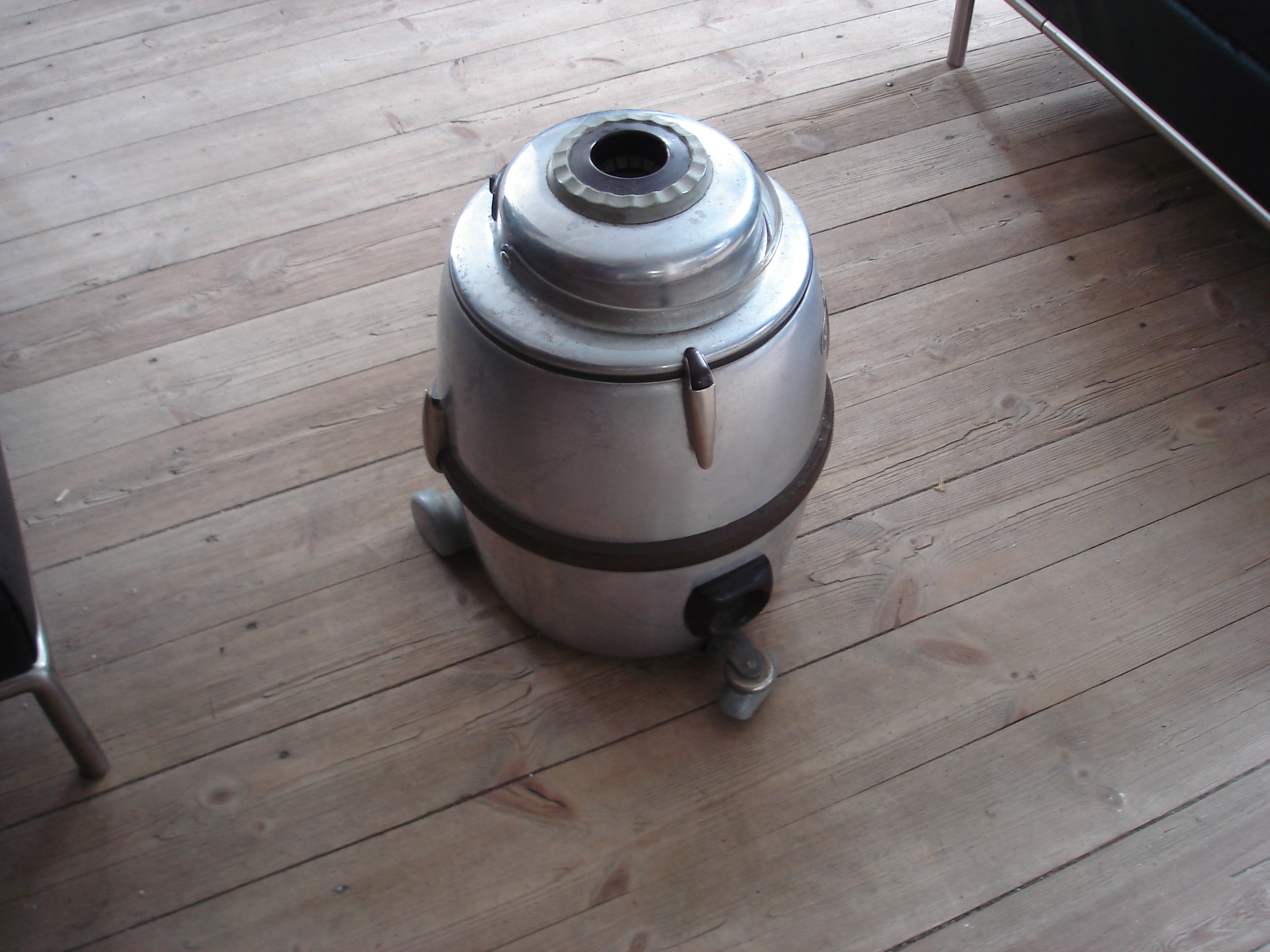 Picture of DIY Cheap Bagless Vacuum Cleaner