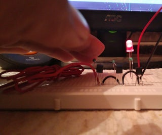 "Simple Yet Powerful Static Electricity Detector Which Can Also Detect ""Ghosts"""