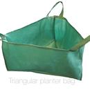 Triangular planter bag