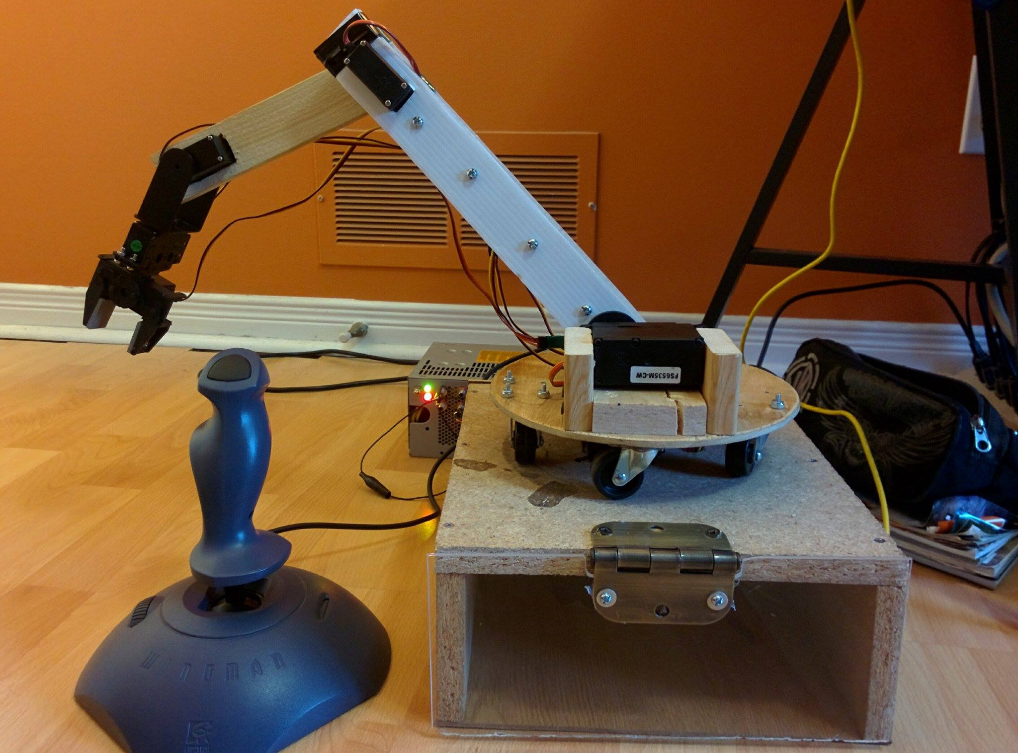 Picture of Easy to Build and Programmable Robotic Arm