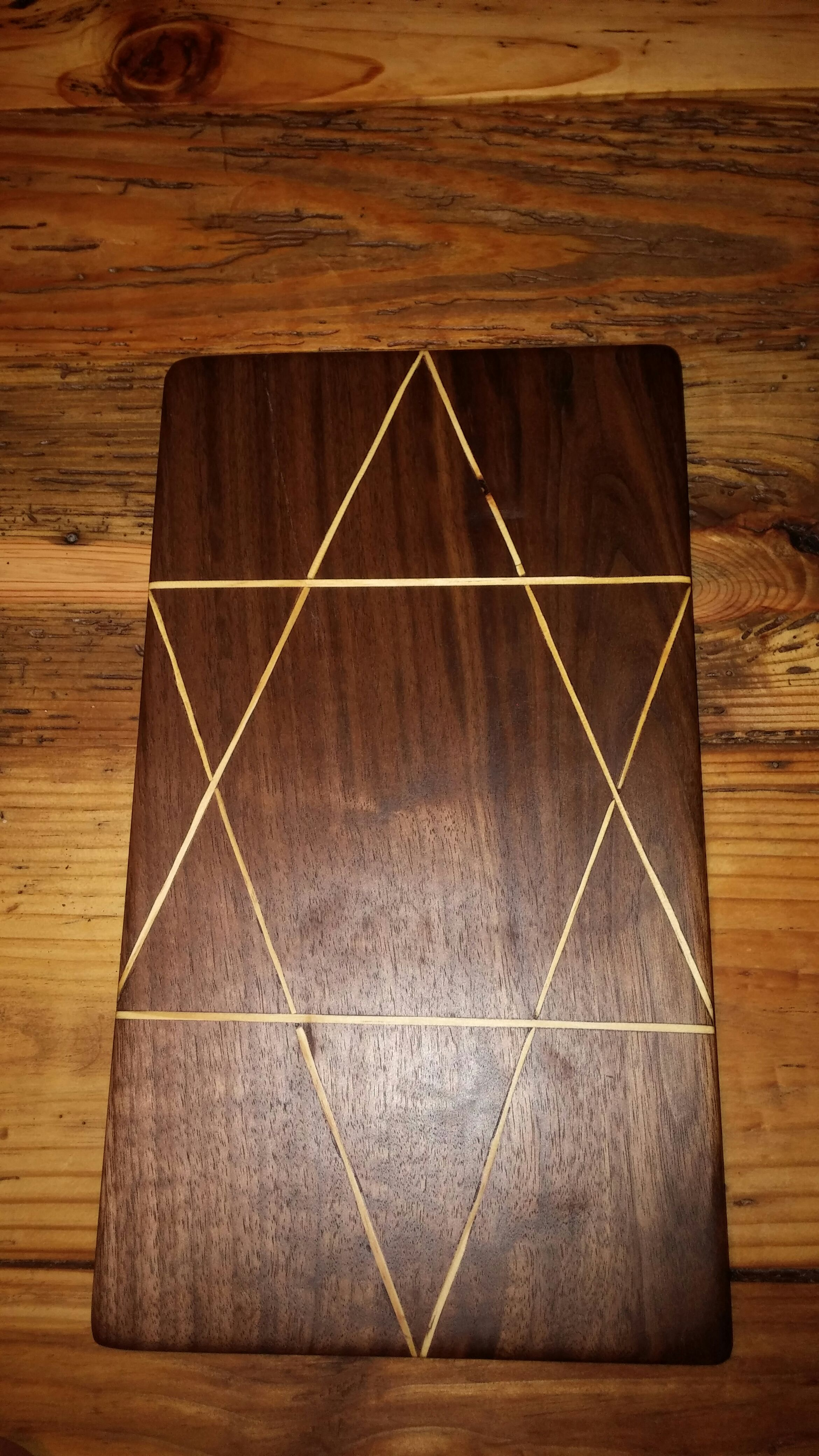 Picture of Cutting Board Out of Black Walnut and 2x4 Inlay