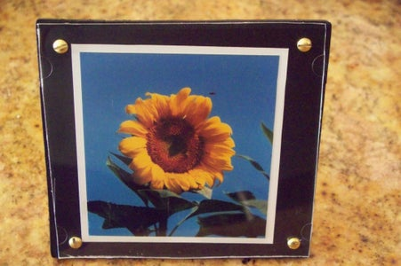 How to Recycle Jewel or CD Cases Into Picture Mounts