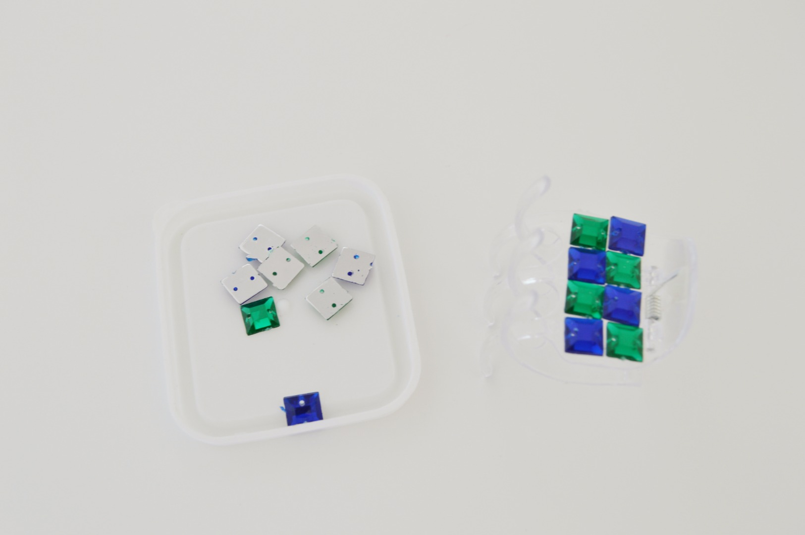 Picture of Jaw Clips Makeover Using Rhinestones
