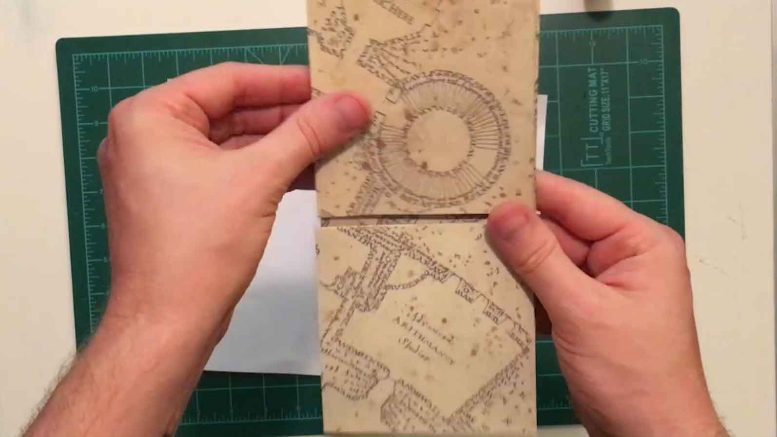 Picture of Glue and Fold the Inside Flaps