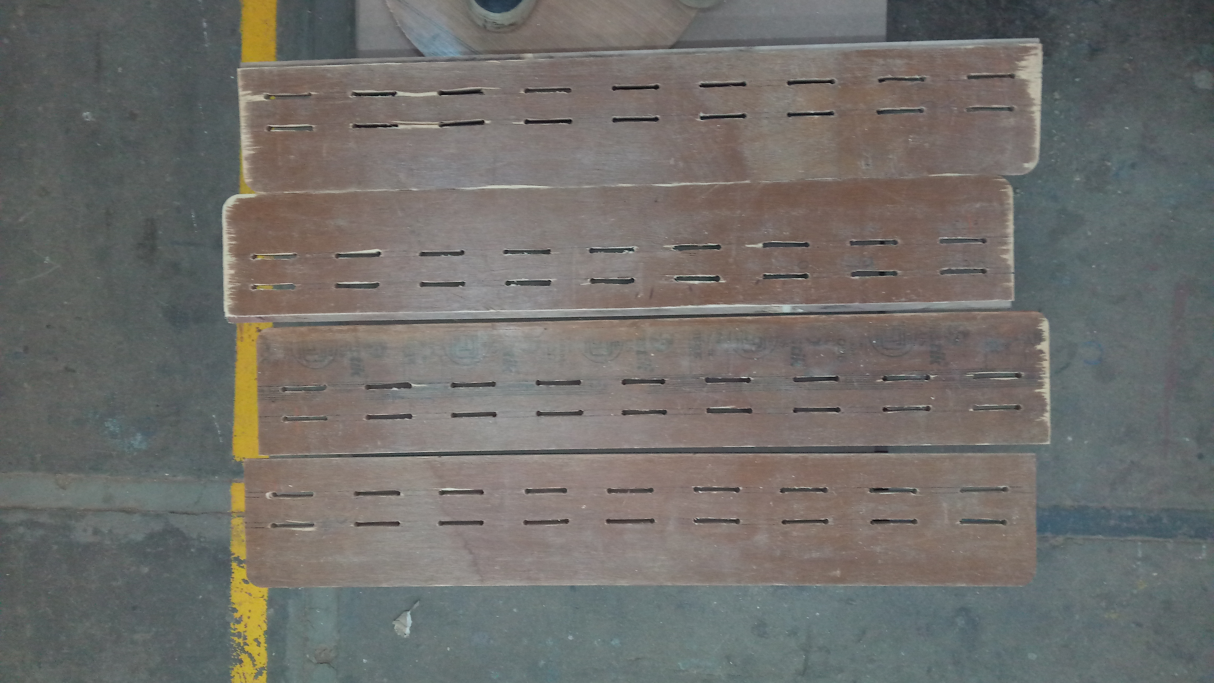 Picture of Side Panels: Slits for Weaving