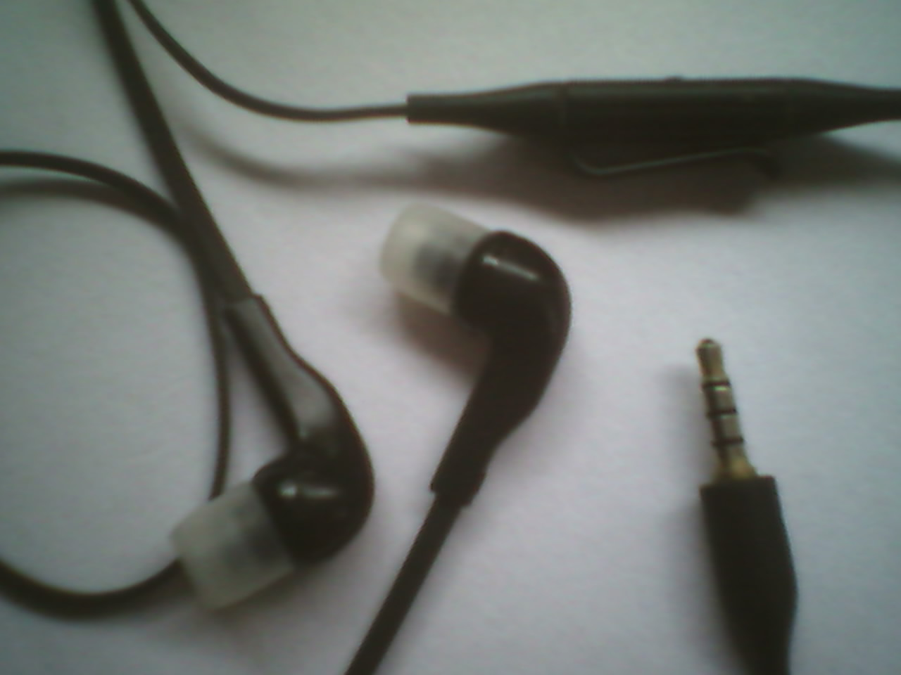 Picture of Old Headphone With Mic