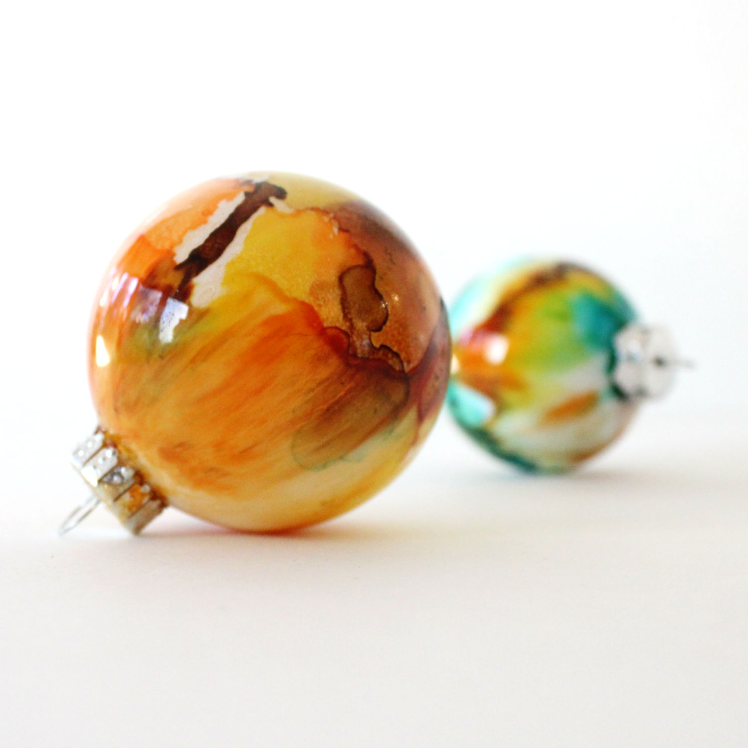 Picture of DIY Alcohol Ink Ornaments