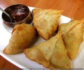Fried delicious Samosa