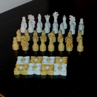 Quilled Chess Box With Light
