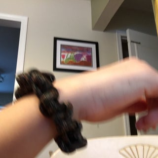One Size Fits All Paracord Bracelet!