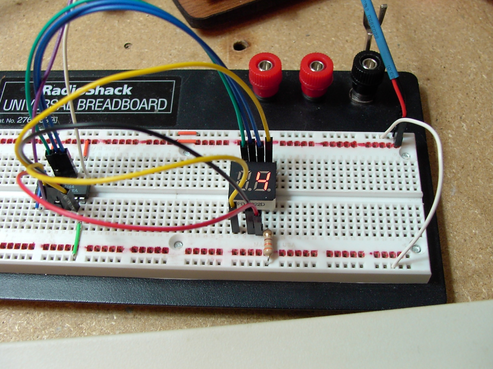 Picture of Project 2: '2 Wire' 7 Segment Display Controller