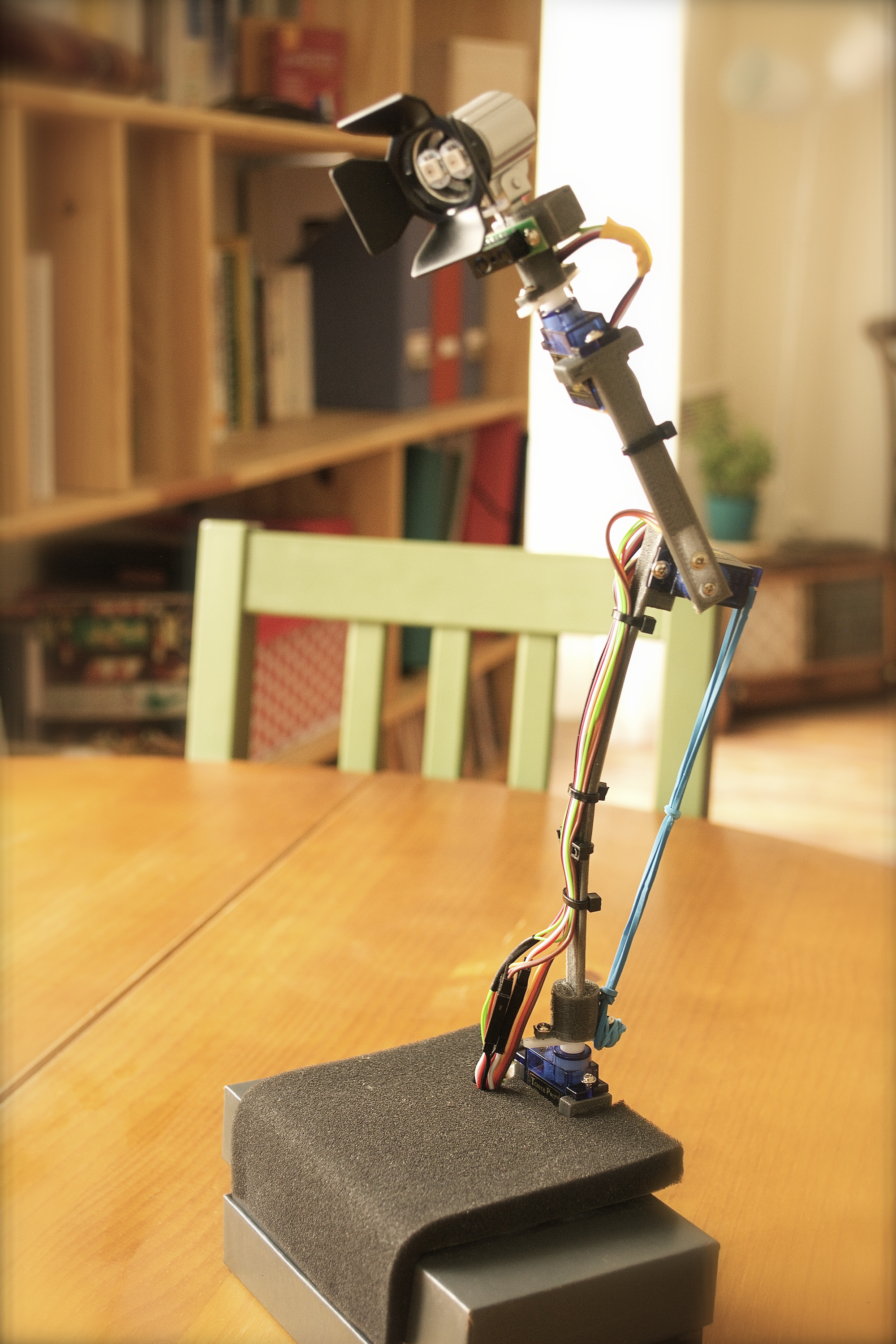 Picture of OiO - a Desk Lamp That Has a Soul