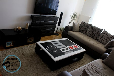 Nintendo NES Pallet Table