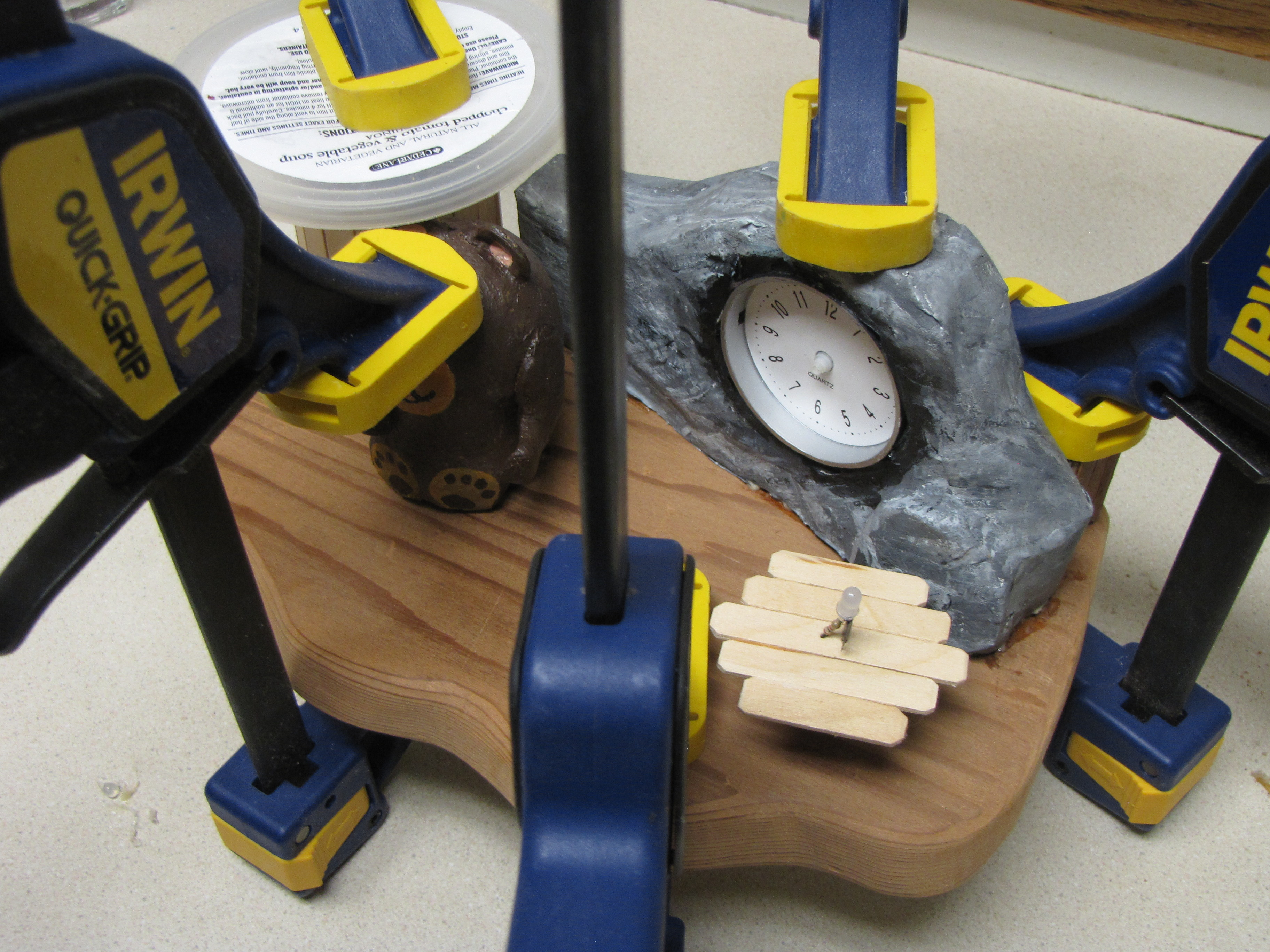 Picture of Glueing Down the Pieces