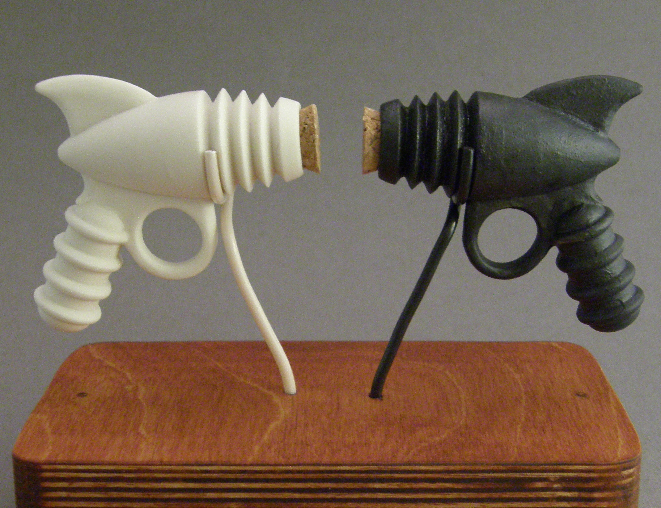 Picture of Porcelain Salt and Pepper Ray-guns